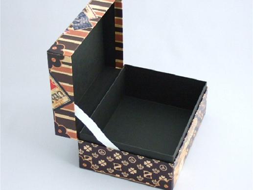 小ロットのオリジナル箱でもフルカラー印刷ができます03