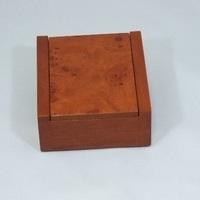木目調がオシャレなウッド塗装加工リングケースのサムネイル
