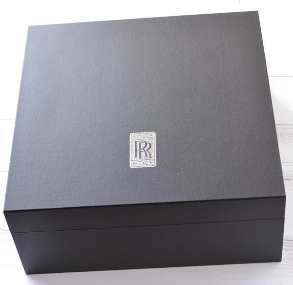 貼箱とインナーまで完全オリジナル製作、小ロット対応可能