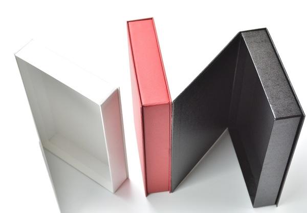 貼箱とマグネットの用途、使いやすさを追求、家庭の保管箱として使われる。